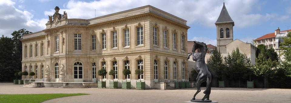 Le Château et le Cheval des Lumières